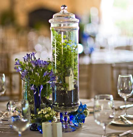 apothecary jar wedding centerpiece